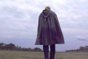 Lina's cloak back