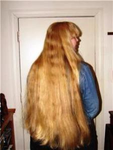Lina's hair straightened